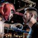 trener mówiący do zawodnika na ringu bokserskim podczas walki
